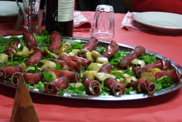 Roulades of salted and dried beef with the flavour of lemon