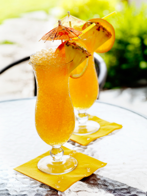 Cold punch with lemon and pineapple