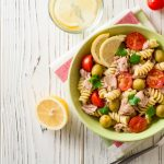 Pasta salad with tuna and lemon