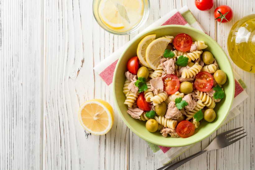 Pasta salad with tuna and lemon