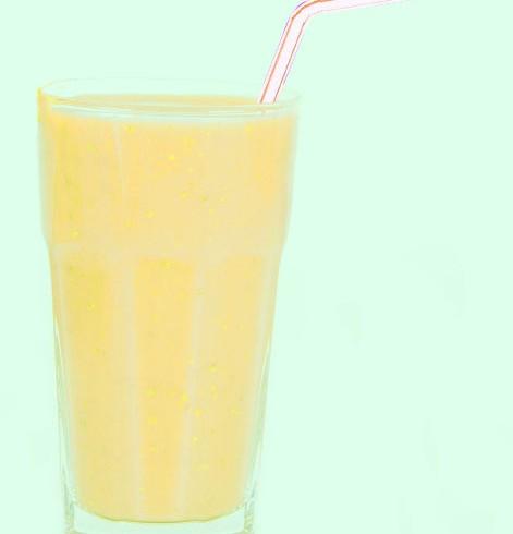 Frullato arancia, banana, limone e zenzero
