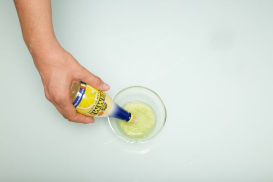 Limmi lemon juice in the bow