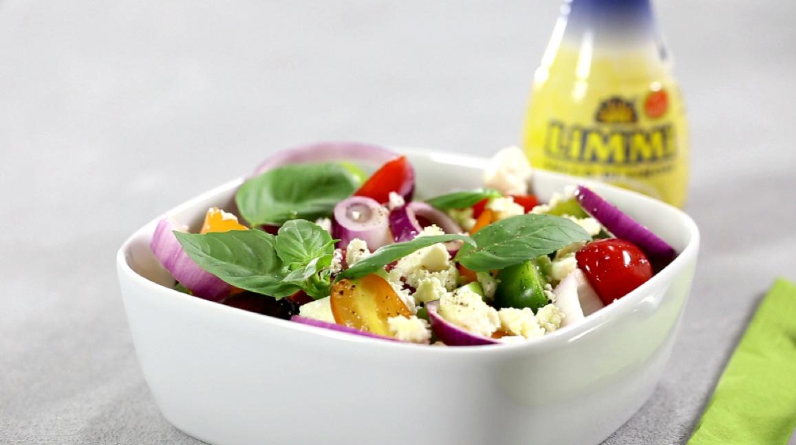 Tomato salad with Limmi lemon juice