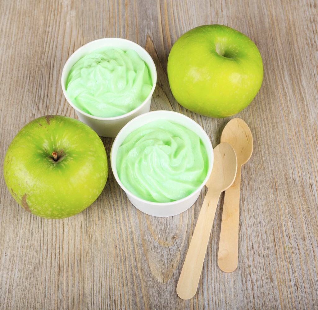 Green apple sorbet and lemon