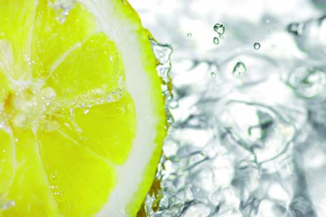 Deeply Cleanse your body with Water and Lemon Juice