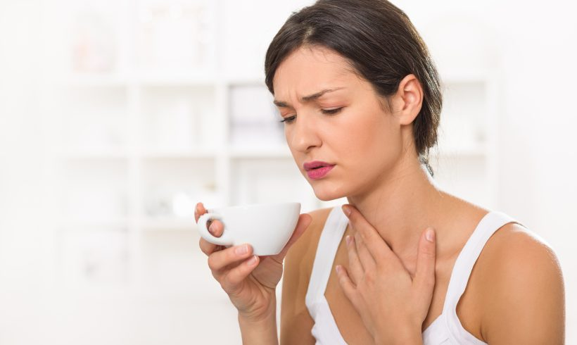 Natural Remedies: Banish Sore Throat with Lemon and Honey
