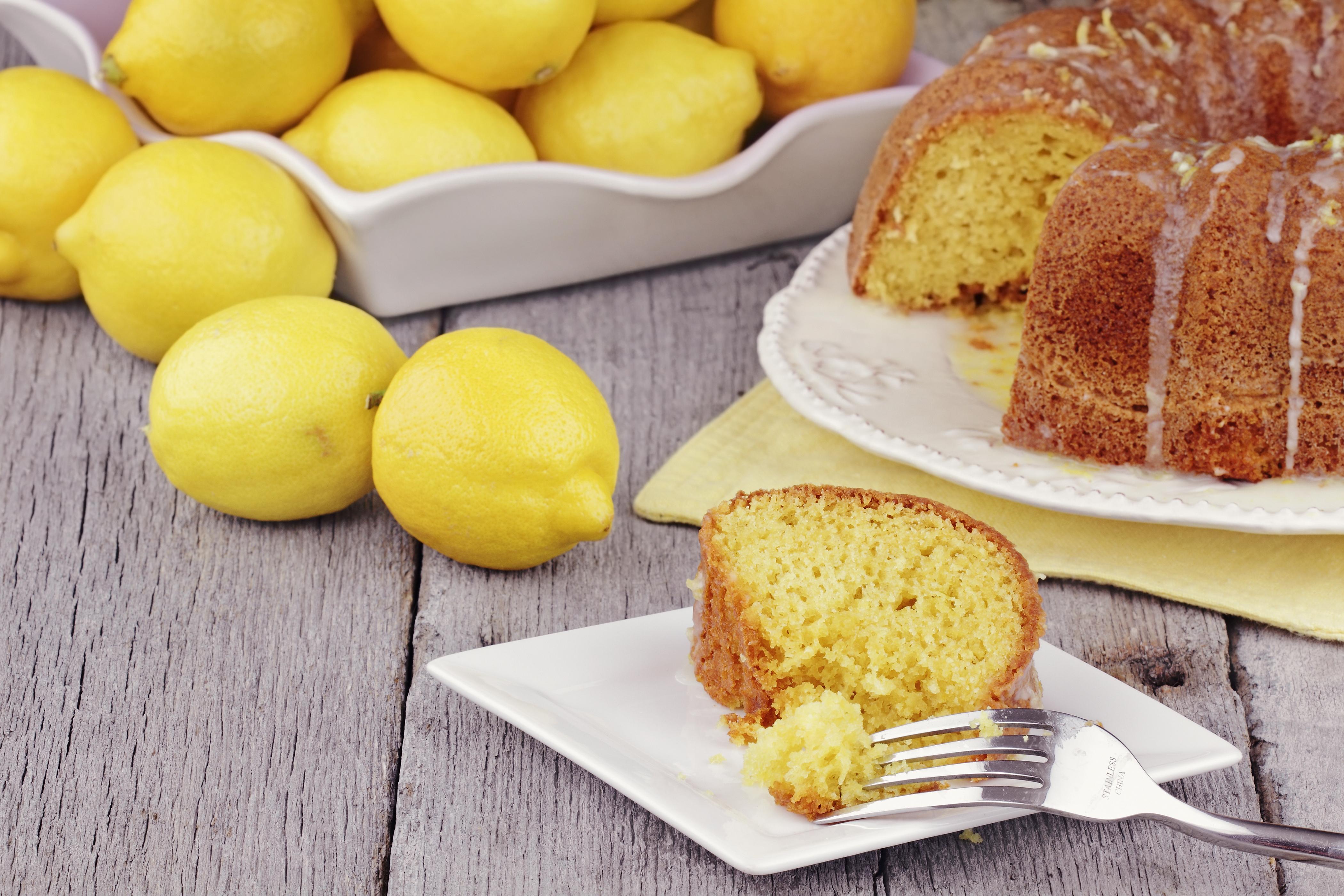 babka with lemon