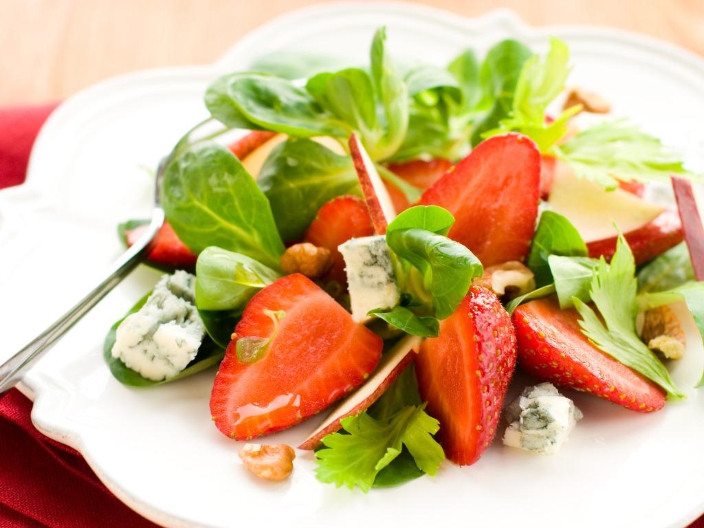 strawberries salad
