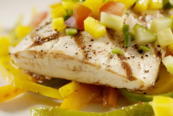 Tuna with lemon, lime and mango sauce