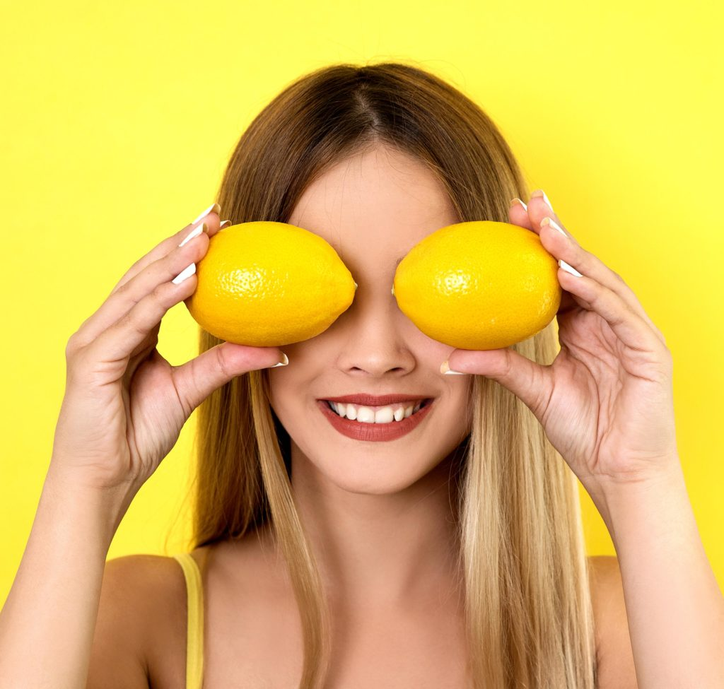 girl with lemons
